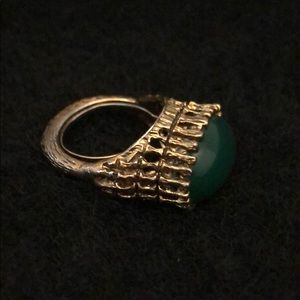 Jewelry - VINTAGE JADE RING IN ANTIQUE GOLD